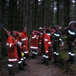 Das Flächenbrand Team mit der nicht alltäglichen Ausrüstung